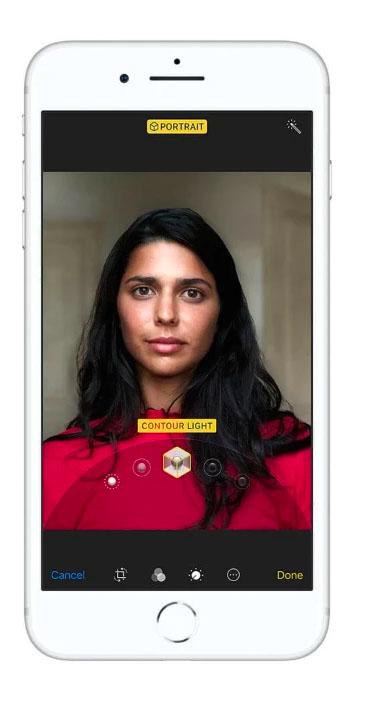 iPhone 8 Selfie Camera Contour Light Woman